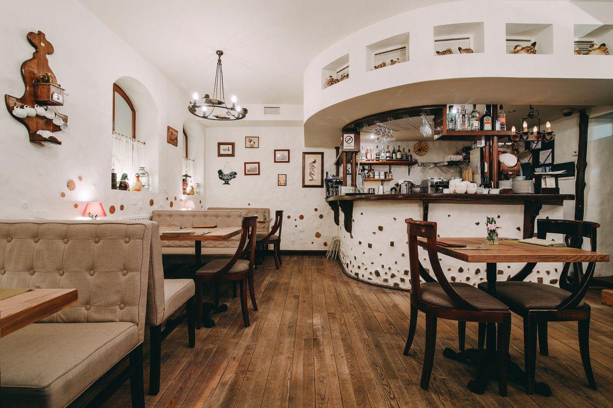 Красивый ресторан