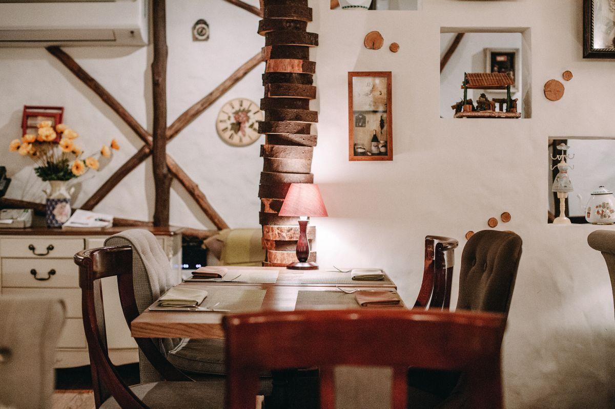 Уютная обстановка в украинском ресторане