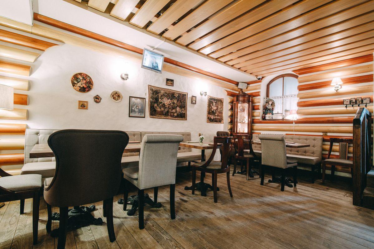 Красивый интерьер в украинском ресторане