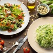 Легкие салаты в ресторане
